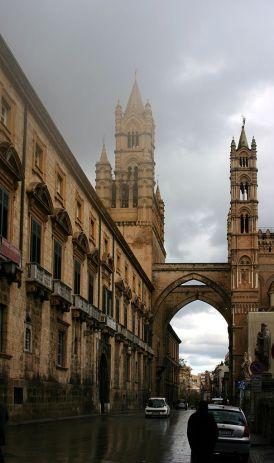 torri e archi della Cattedrale